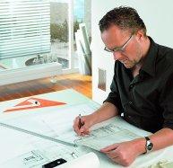 architekt w trakcie projektowania
