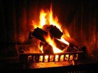 ogień z kominka